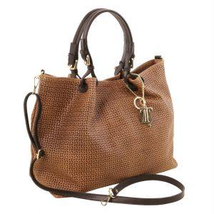 модерна дамска кожена чанта с принт плетеница в цвят канела
