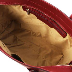 обемна кожена чанта в червено