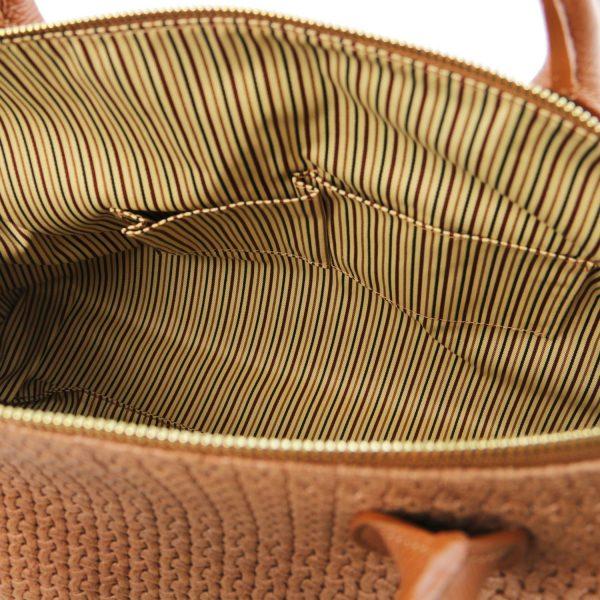 дамска кожена чанта с релеф плетеница в цвят канела