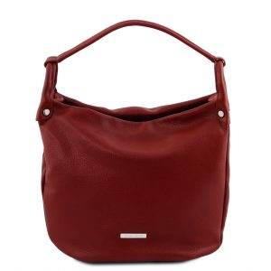 дамска кожена чанта в стил хобо и цвят червено