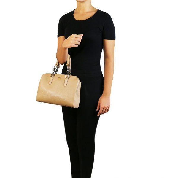 луксозна дамска кожена чанта в шампанско