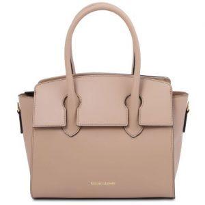 Изискана кожена дамска чанта